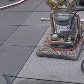 Handhabung Stein Beton